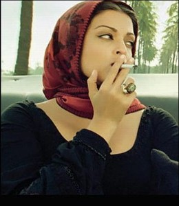 aishwrya-rai-smoking